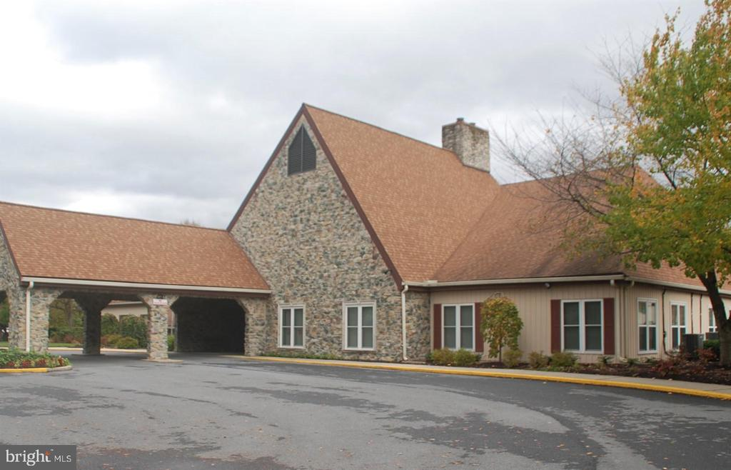 Lovely clubhouse - 7050 BASSWOOD RD #11, FREDERICK