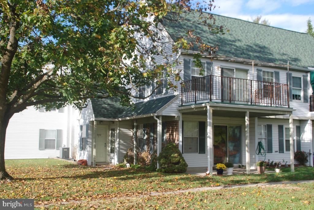 Well maintained 8  unit building - 7050 BASSWOOD RD #11, FREDERICK