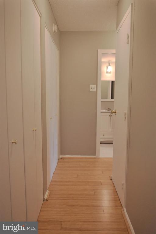 Closets - 2030 N ADAMS ST #404, ARLINGTON