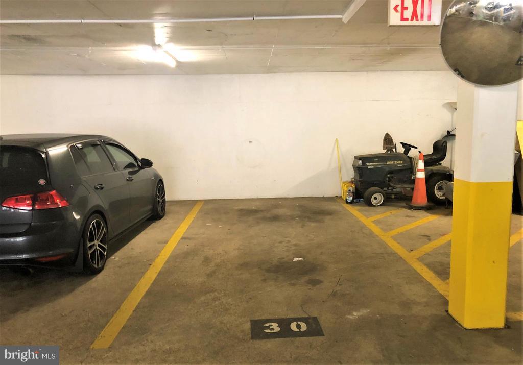 Assigned Covered/Garage Parking - 2030 N ADAMS ST #404, ARLINGTON