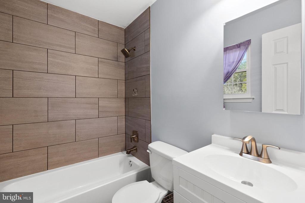 Primary Bathroom - 13509 PHOTO DR, WOODBRIDGE