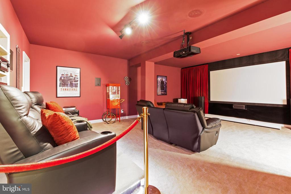 Movie Theater Room - 42962 APPALOOSA TRAIL CT, CHANTILLY