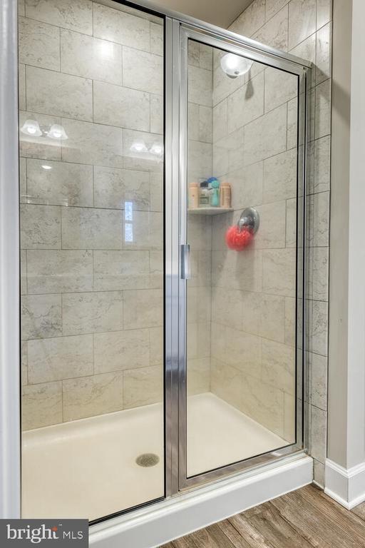 Primary shower - 151 WOOD LANDING RD, FREDERICKSBURG