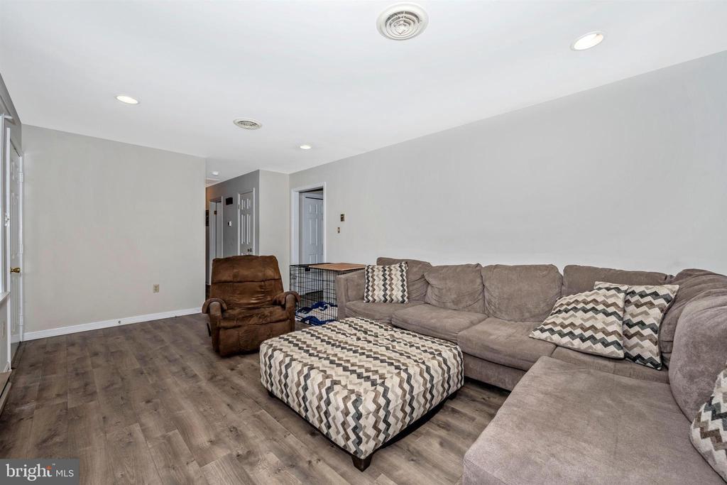 Living Room - 23 HAMMAKER ST, THURMONT