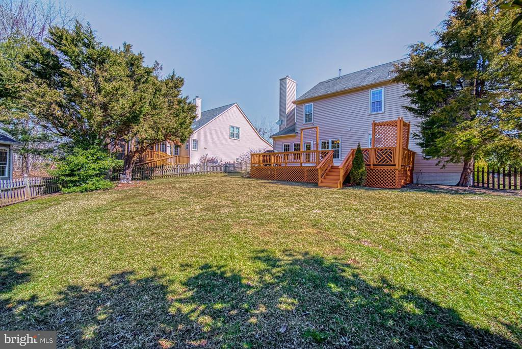 Lots of Space to Build Your Dream Backyard! - 43936 BRUCETON MILLS CIR, ASHBURN