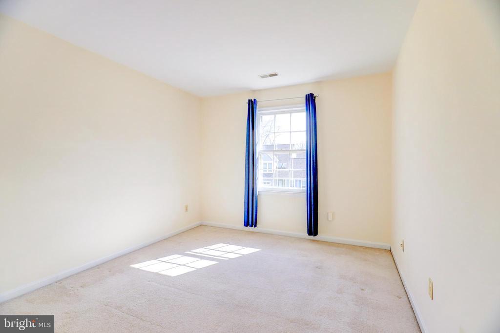 3rd Bedroom - 8024 OAK HOLLOW LN, FAIRFAX STATION
