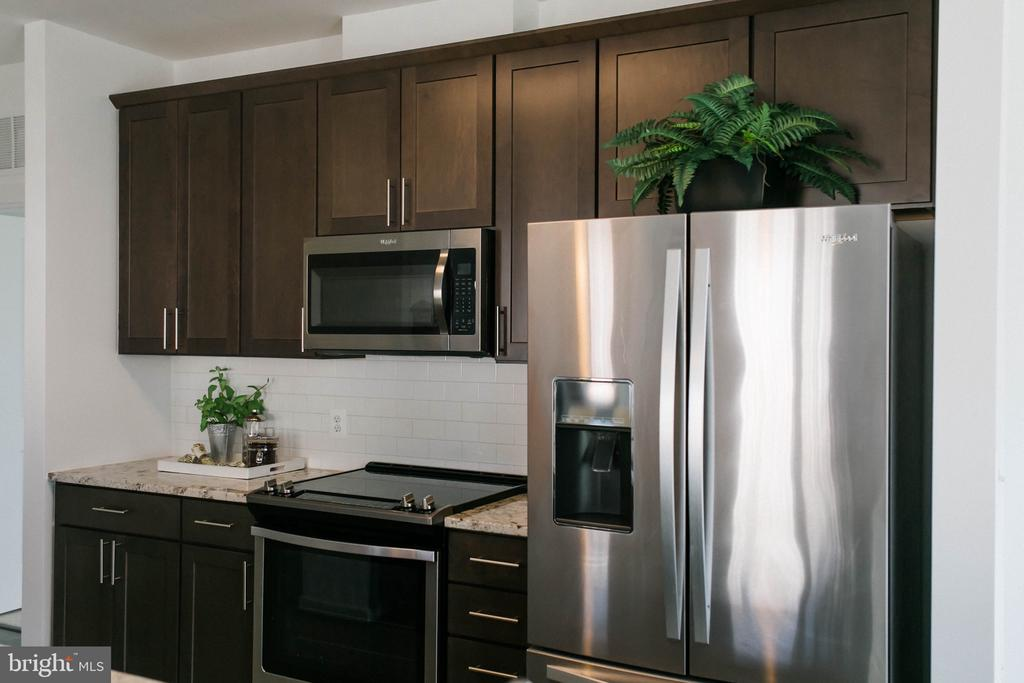 Ample Cabinets - 9450 SILVER KING CT #203, FAIRFAX