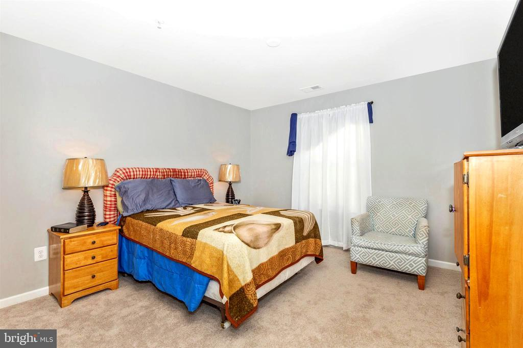 Bedroom 4 - 8714 PRESTON DR, FREDERICK
