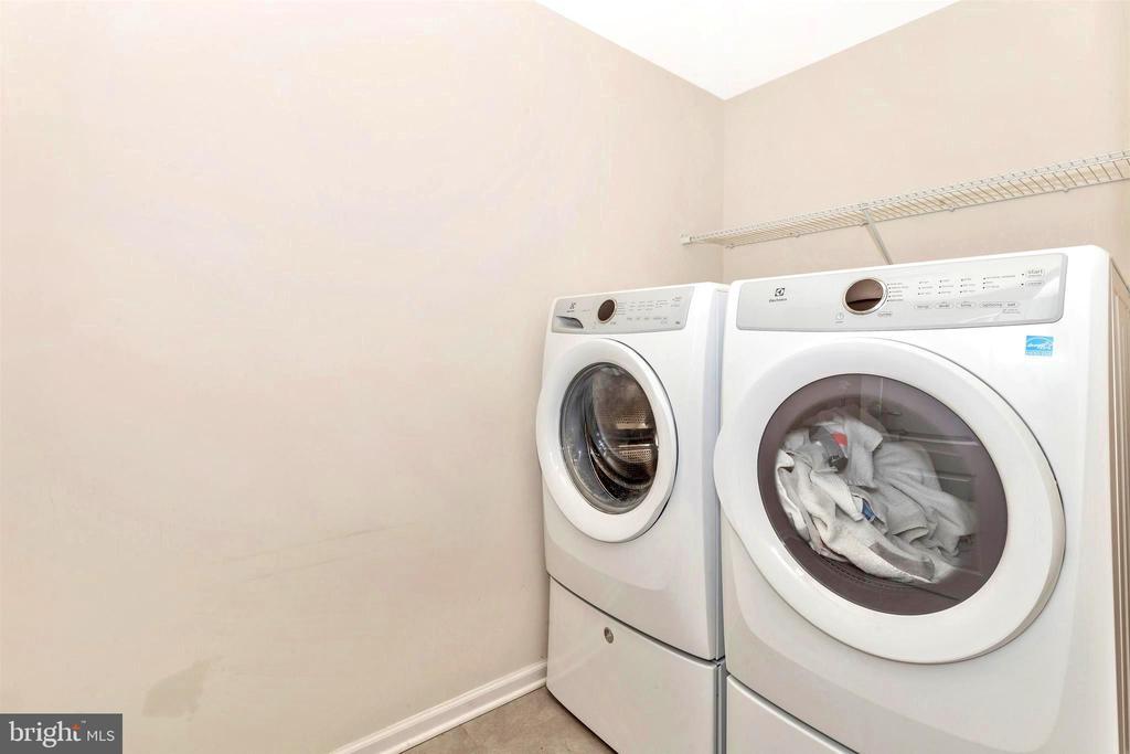 Large second level laundry - 8714 PRESTON DR, FREDERICK