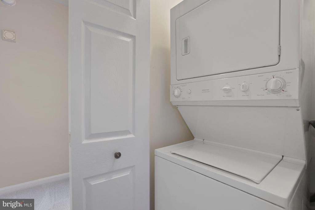 In-Unit Laundry - 19365 CYPRESS RIDGE TER #701, LEESBURG