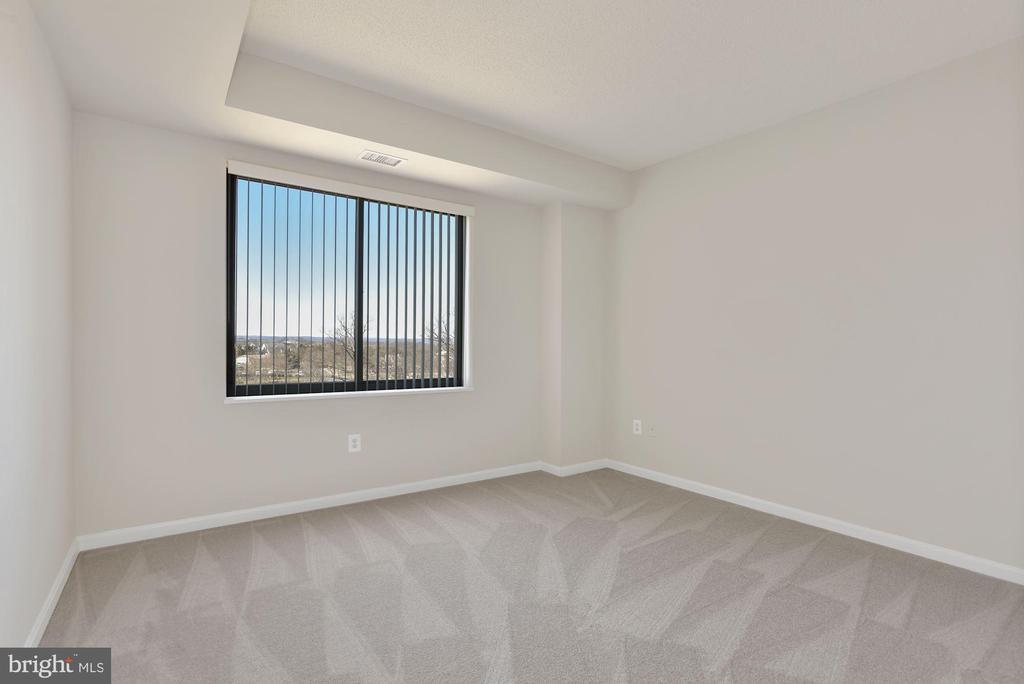 Second Bedroom - 19365 CYPRESS RIDGE TER #701, LEESBURG