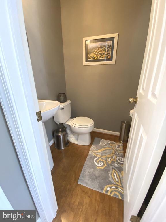 Half Bath Off Dining Room - Pedestal Sink - 14103 RED ROCK CT, GAINESVILLE