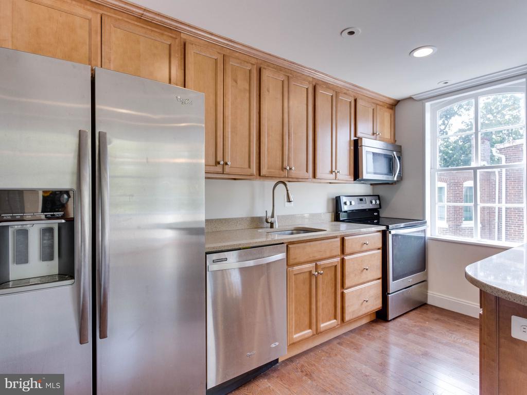 Upper Unit Kitchen - 322 S WASHINGTON ST, ALEXANDRIA