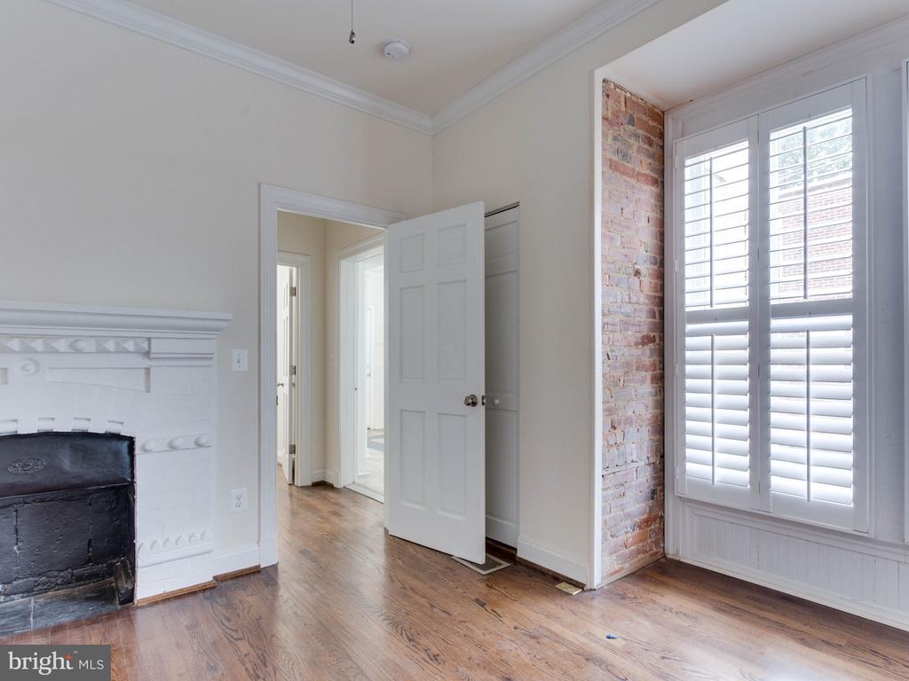 Lower Unit Bedroom 1 - 322 S WASHINGTON ST, ALEXANDRIA