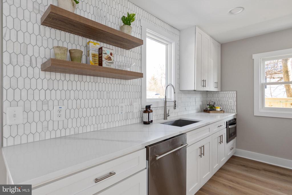 Kitchen - 250 LOUDOUN ST SW, LEESBURG