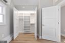 Custom closets - 250 LOUDOUN ST SW, LEESBURG