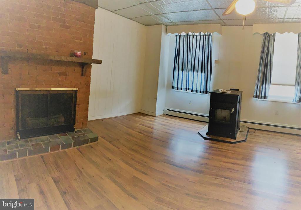 Livingroom - 206 W MAIN ST, MIDDLETOWN