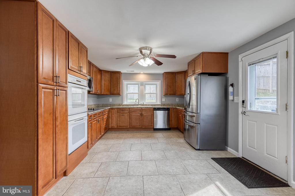 Double Oven - 9011 BACKLICK RD, FORT BELVOIR