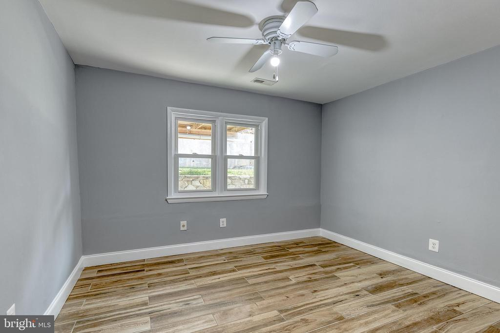 4th bedroom - 9011 BACKLICK RD, FORT BELVOIR