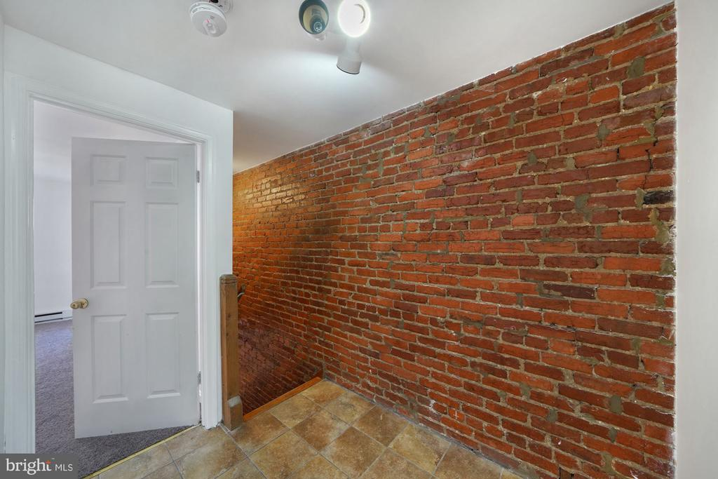 Bright wall on the second flour - 1911 9 1/2 ST NW, WASHINGTON