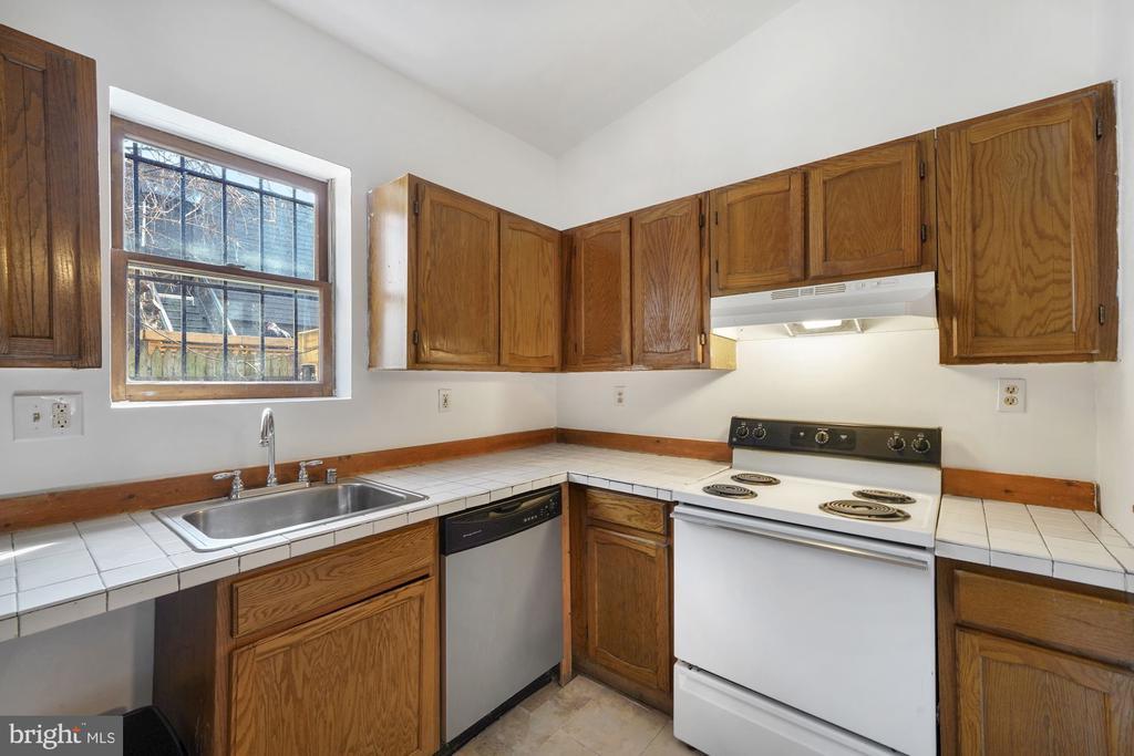 Kitchen - 1911 9 1/2 ST NW, WASHINGTON