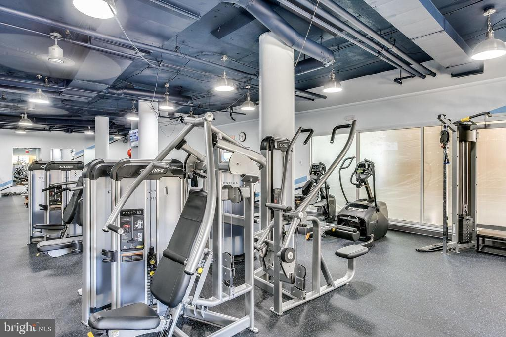 Stay in shape at the fitness center - 19365 CYPRESS RIDGE TER #1007, LEESBURG