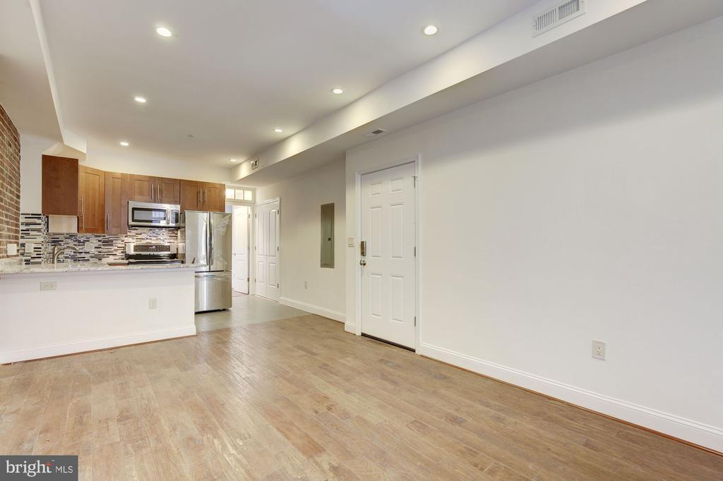 Open Floor Plan - 335 H ST NE, WASHINGTON