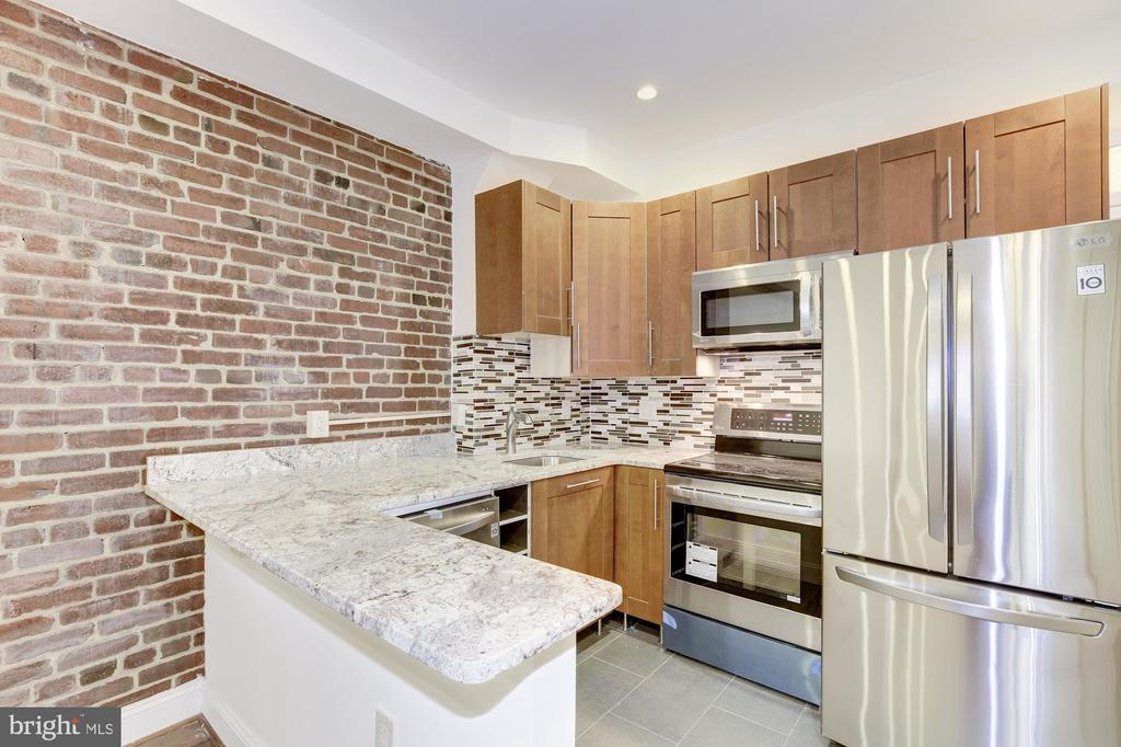 Kitchens with Stainless and Granite - 335 H ST NE, WASHINGTON