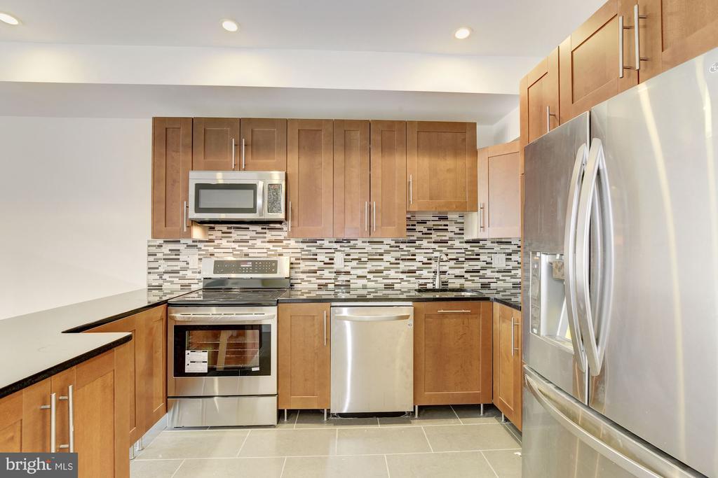 Wood Cabinetry - 335 H ST NE, WASHINGTON