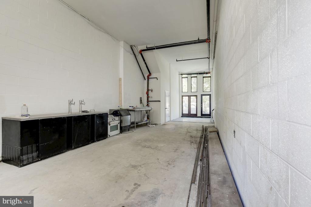 Commercial Before Tenant Buildout - High Ceilings - 335 H ST NE, WASHINGTON