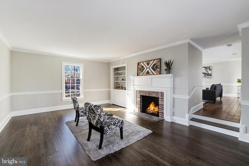 Living Room - Entry to Family Room - 214 N COLUMBUS ST, ALEXANDRIA