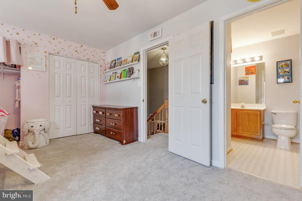 - 192 CONNERY TER SW, LEESBURG