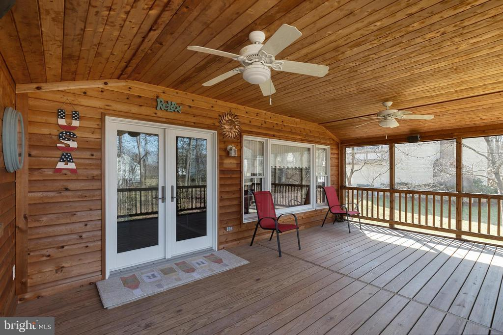 Screened Porch with 2 Fans - 16 STAFFORD CT, STERLING