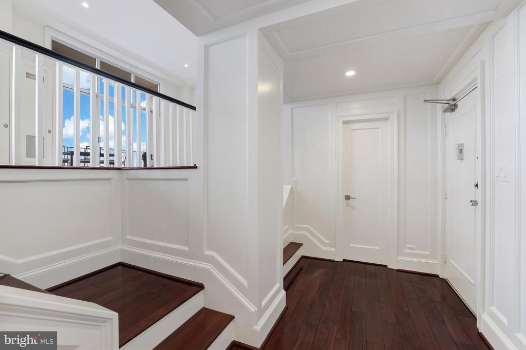 Foyer - 1200 N NASH #544, ARLINGTON