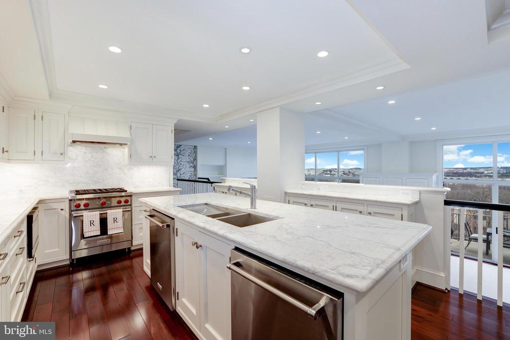 Kitchen - 1200 N NASH #544, ARLINGTON