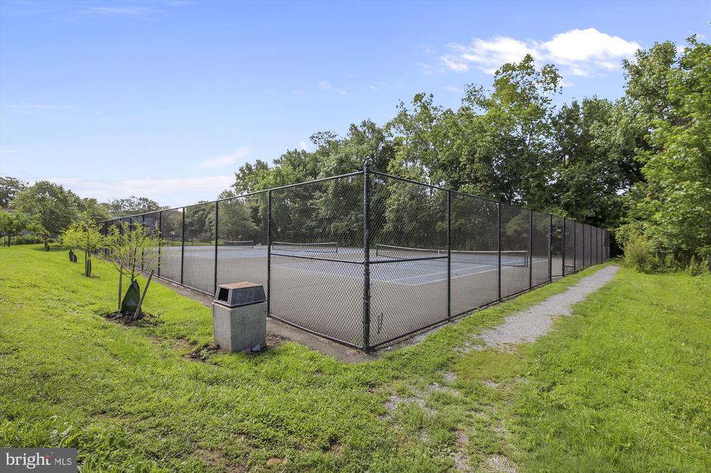 McLean Gardens Tennis Courts - 3640 39TH ST NW #D526, WASHINGTON