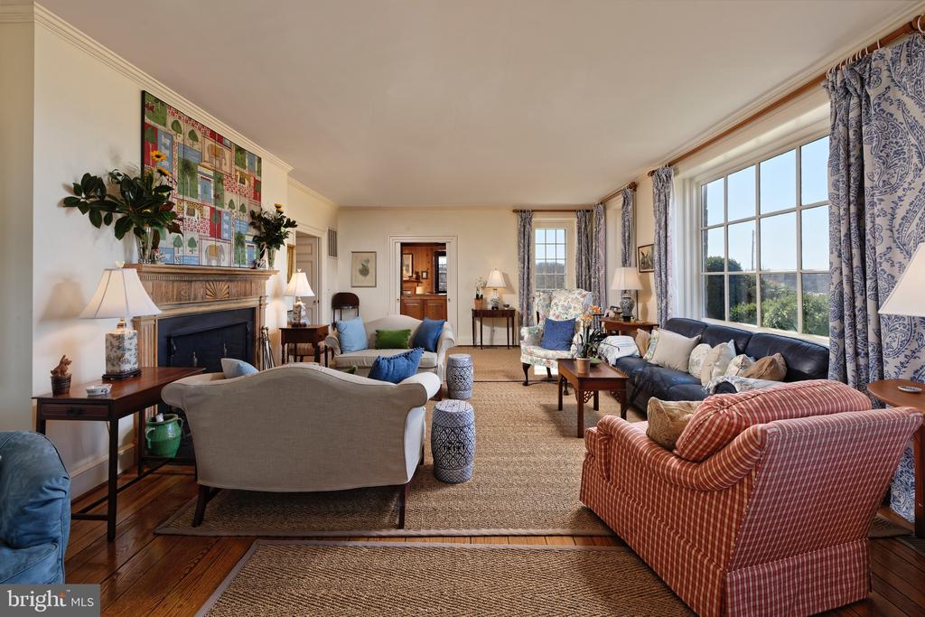 Formal LR w/large picture window showing the views - 21943 ST LOUIS RD, MIDDLEBURG