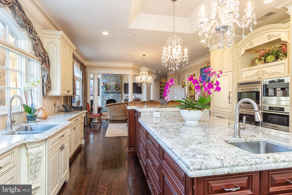 Kitchen - 8548-A GEORGETOWN PIKE, MCLEAN