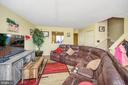 Large inviting family room. - 706 PINNACLE DR, STAFFORD