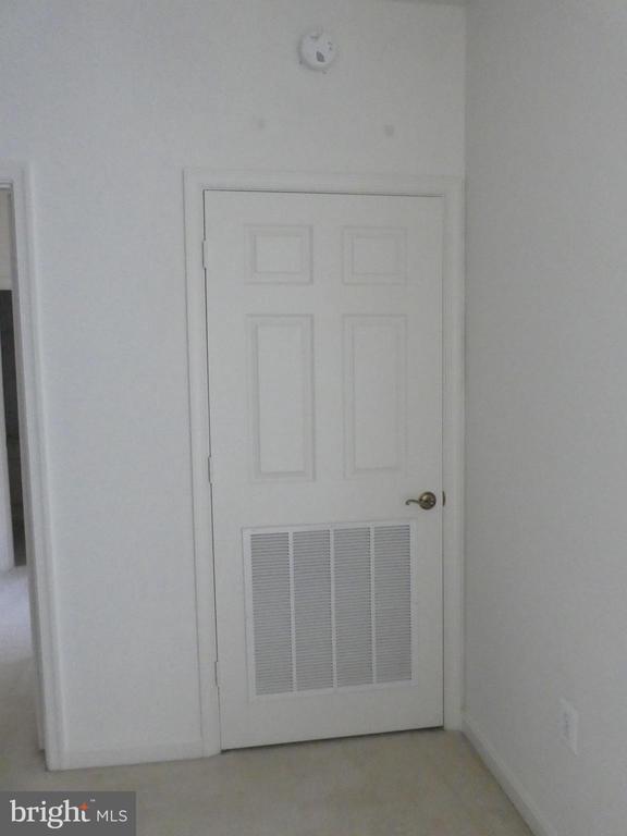 Door in Entry to HVAC - 19365 CYPRESS RIDGE TER #416, LEESBURG