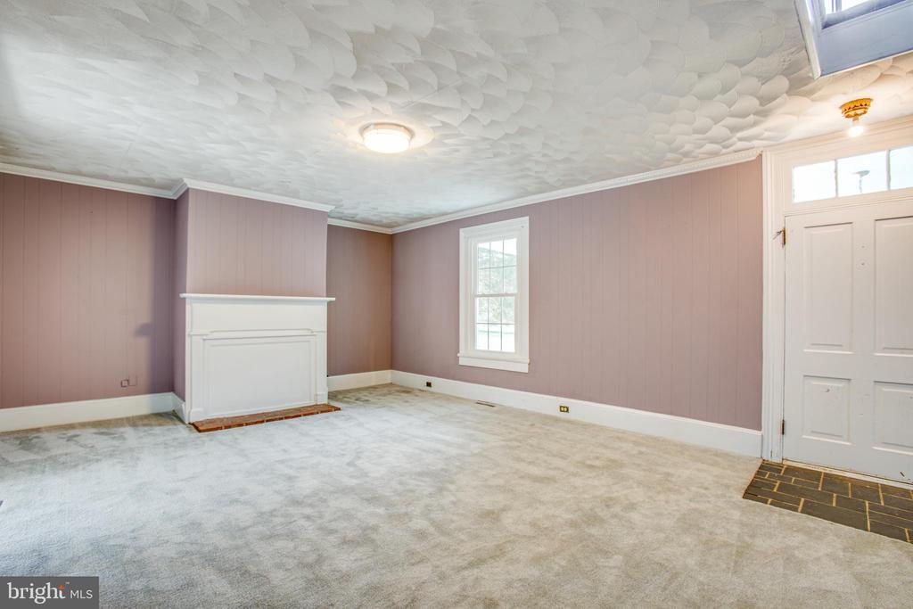 Living Room view 4 - 6407 PLANK RD, FREDERICKSBURG