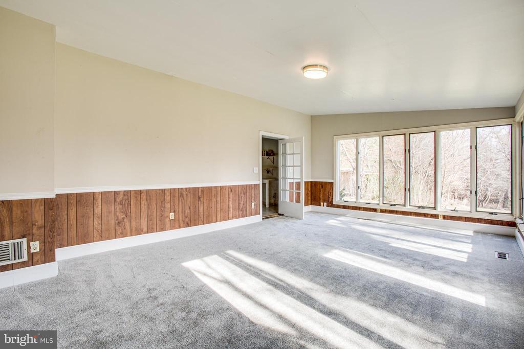 Sunroom - 6407 PLANK RD, FREDERICKSBURG