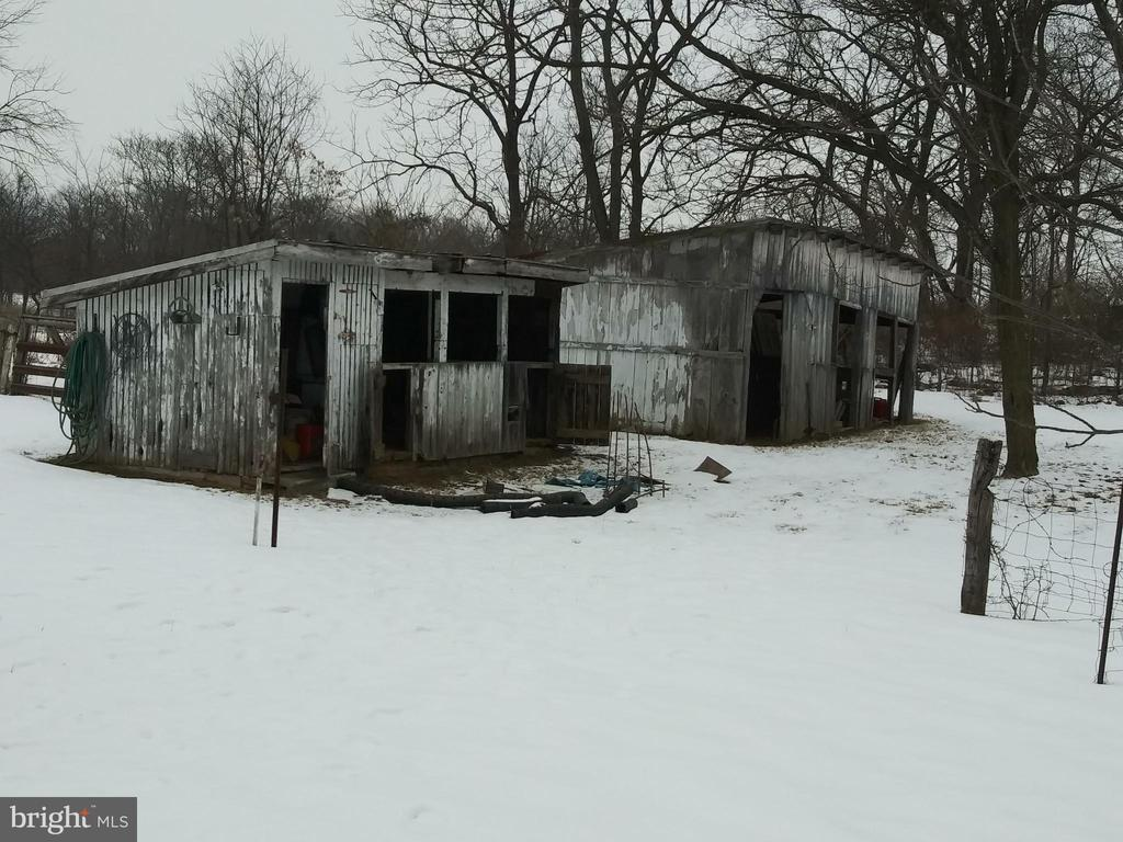 CHIC-COOP & RUN IN SHED 1 ACRE OF LAND - 1700 KIMBLE RD, BERRYVILLE