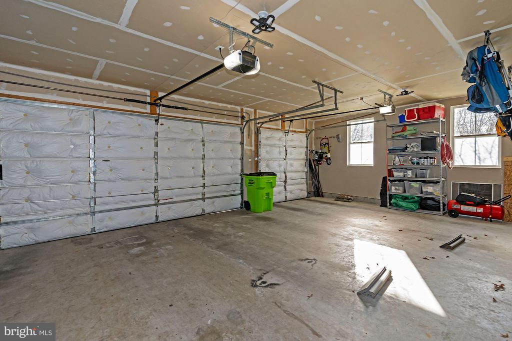 3 Car Garage - 22522 WILDERNESS ACRES CIR, LEESBURG