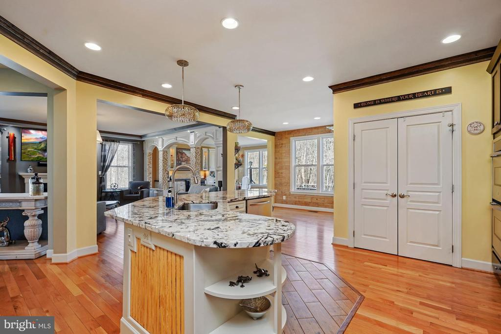 Kitchen with View of Island and Pantry - 22522 WILDERNESS ACRES CIR, LEESBURG