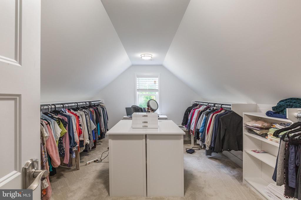 Very large walk in closet - 4512 BURKE STATION RD, FAIRFAX