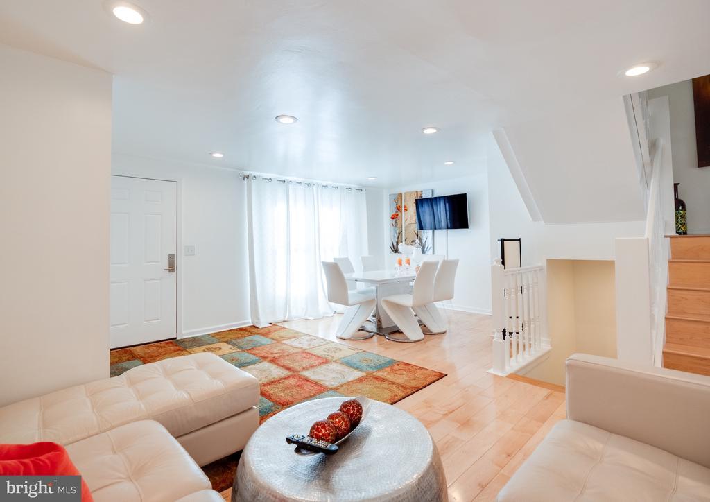 Living Room - 1677 BAYFIELD WAY, RESTON