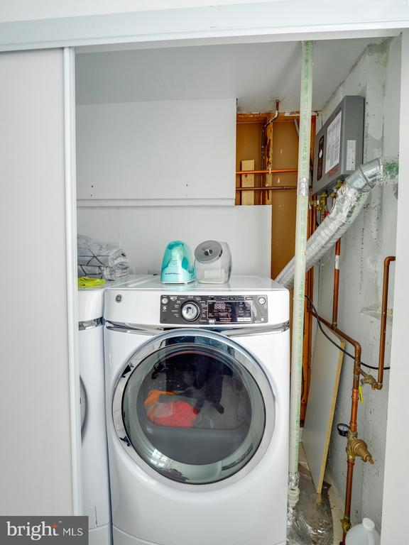 Dryer & Tankless Water Heater - 1677 BAYFIELD WAY, RESTON