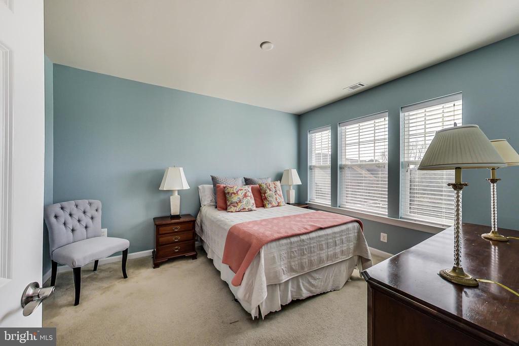 Spacious Master Bedroom - 20570 HOPE SPRING TER #204, ASHBURN