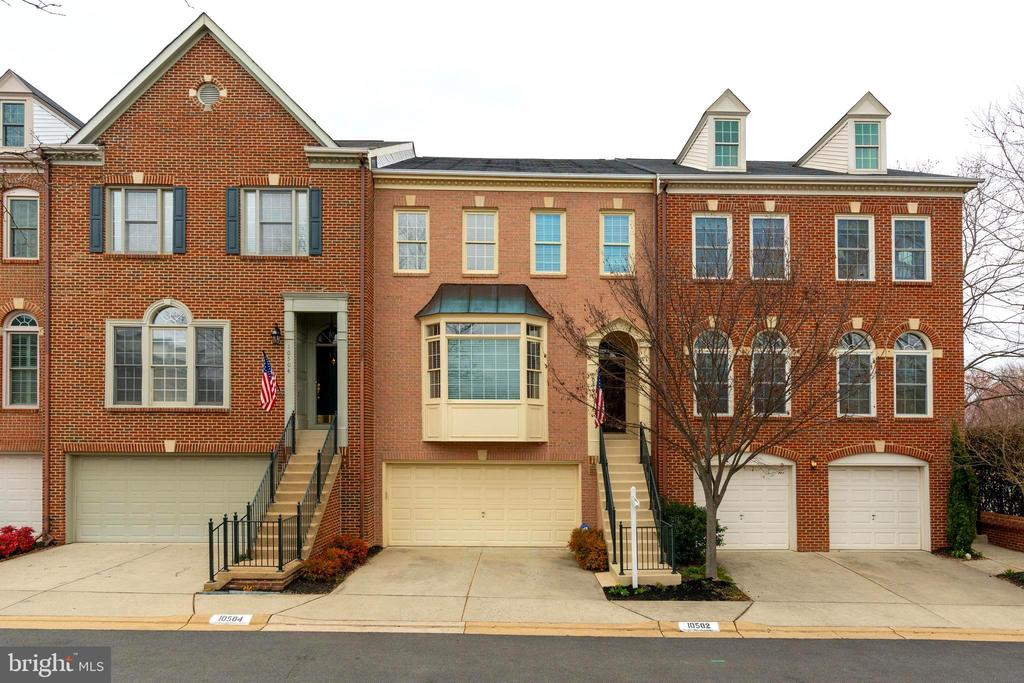 - 10502 CATESBY ROW, FAIRFAX